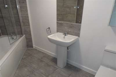 2 Bedrooms Flat for rent in Touthill Place, Peterborough