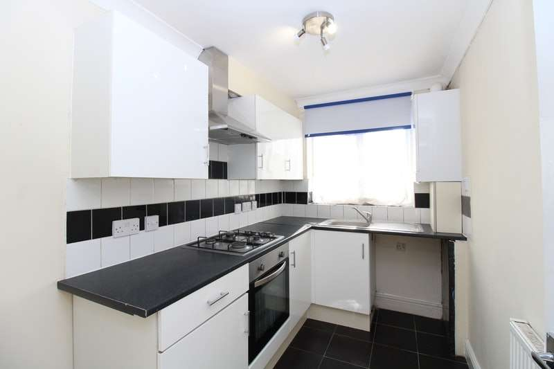 2 Bedrooms Flat for sale in Glenalmond Road, Harrow, HA3