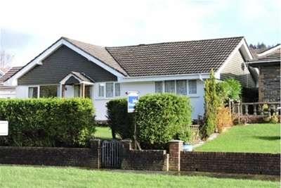 3 Bedrooms Detached Bungalow for rent in Waun Sterw, Rhydyfro