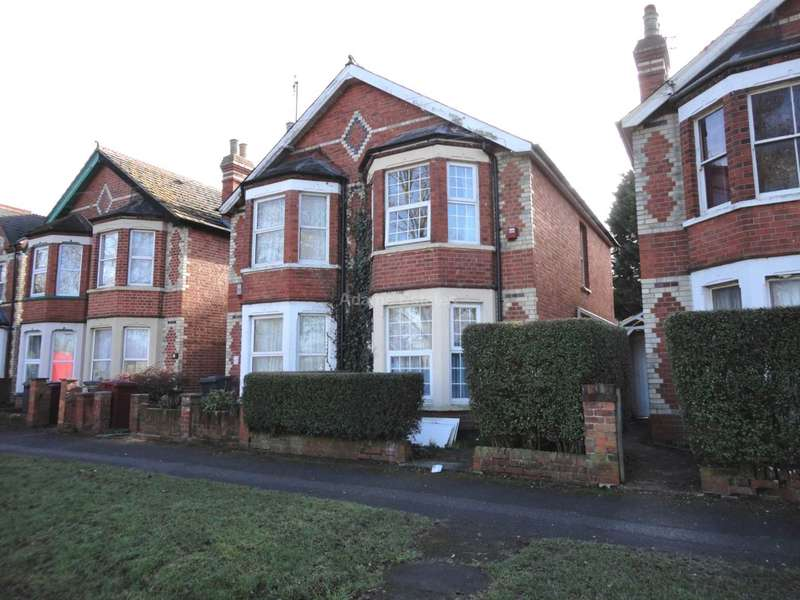 6 Bedrooms Semi Detached House for rent in Palmer Park Avenue, Reading