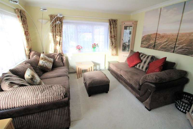 2 Bedrooms Park Home Mobile Home for sale in Langley Common Road, Barkham, Wokingham, RG40 4TS