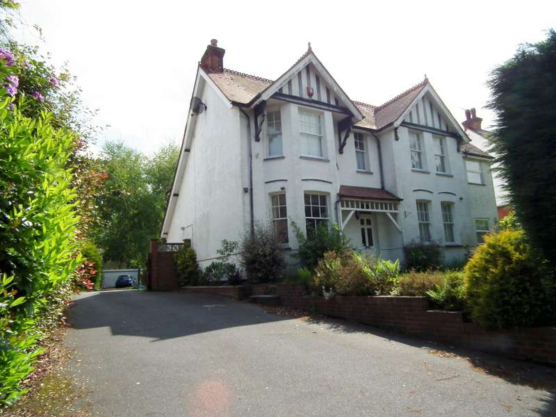 5 Bedrooms House for rent in Engliff Lane, Pyrford, Surrey