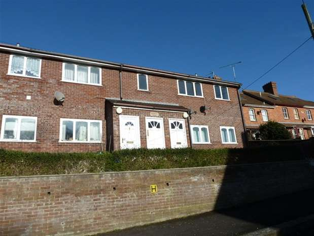 2 Bedrooms Flat for rent in Station Road, Castle Cary