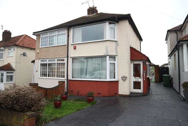 2 Bedrooms Semi Detached House for sale in Clinton Avenue, South Welling, Kent, DA16 2DY