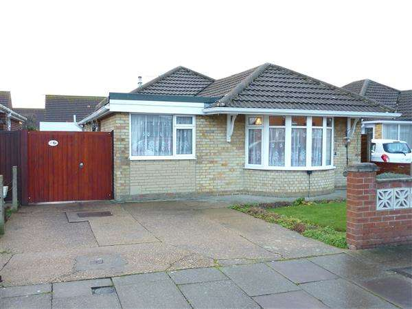 4 Bedrooms Detached Bungalow for sale in WESTPORT ROAD, CLEETHORPES