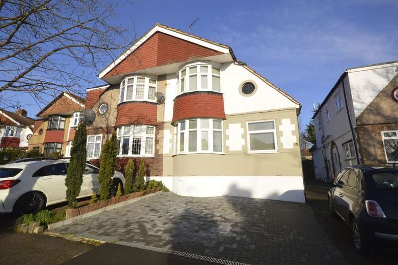 3 Bedrooms Semi Detached House for sale in Spring Gardens, Watford, WD25