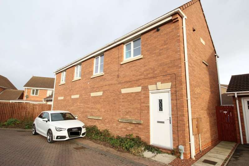 2 Bedrooms Flat for sale in Halecroft Park, Kingswood, Hull, HU7