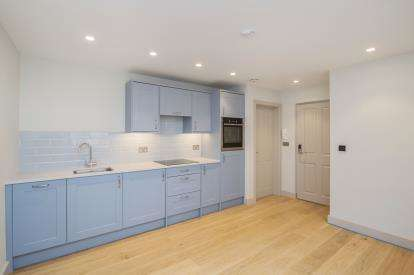 1 Bedroom Flat for sale in 38 Duke Street, Padstow, Cornwall