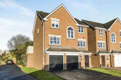 4 Bedrooms Detached House for sale in Hollyoak Road, Streetly, Sutton Coldfield, .