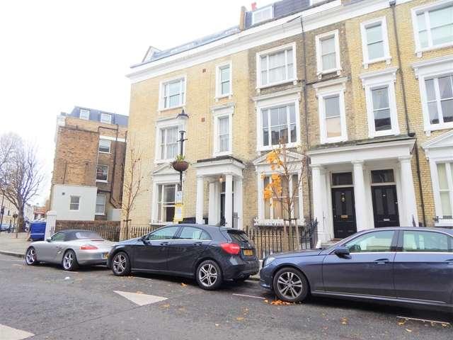 3 Bedrooms Flat for sale in Moffatt Court, Gap Road, Wimbledon, London, SW19