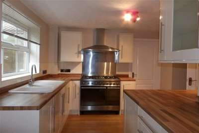 4 Bedrooms House for rent in Kedleston Close, Huthwaite