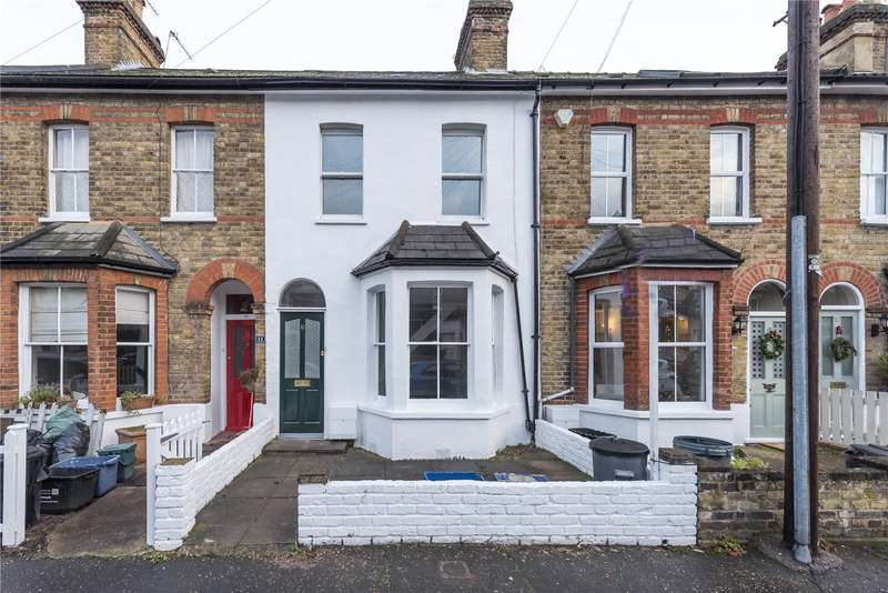 2 Bedrooms Terraced House for sale in Avenue Road, Hampton, TW12