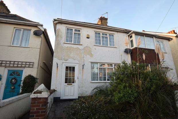 3 Bedrooms Semi Detached House for sale in Orient Road, Preston, Paignton, Devon