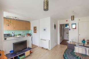1 Bedroom Flat for sale in Invicta House, Rhodaus Close, Canterbury, Kent