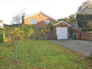 3 Bedrooms Detached House for sale in Oakfield, Hawkhurst, Cranbrook, Kent
