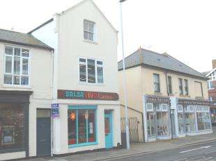 2 Bedrooms Flat for sale in High Street, Worthing, West Sussex