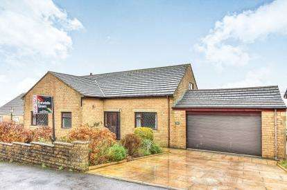 4 Bedrooms Detached House for sale in Stirling Court, Burnley, Lancashire, BB10