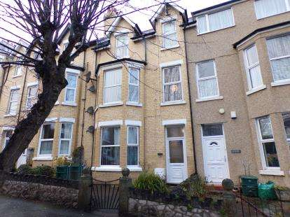 2 Bedrooms Flat for sale in Rhiw Bank Avenue, Colwyn Bay, Conwy, LL29