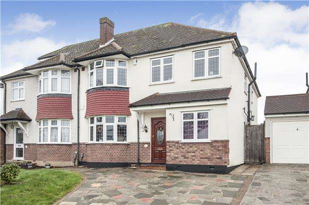 4 Bedrooms Semi Detached House for sale in Crofton Avenue, ORPINGTON, Kent, BR6