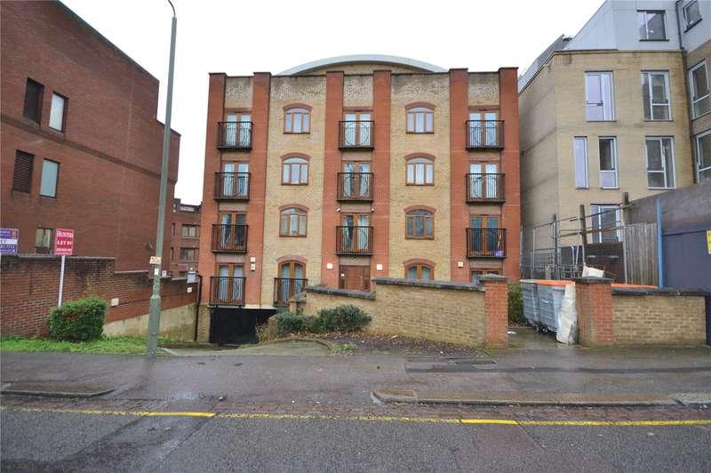2 Bedrooms Apartment Flat for sale in Newbury House, 9 Approach Road, Barnet, EN4