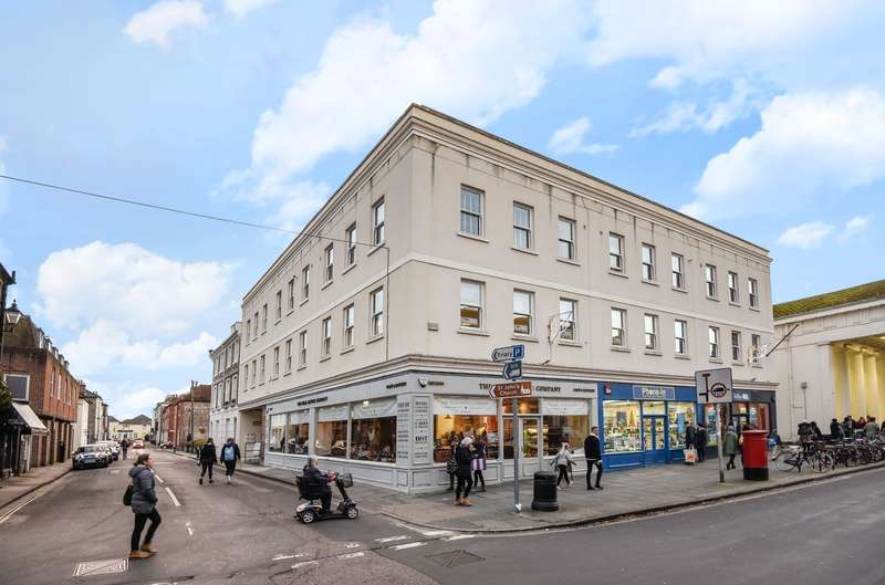 2 Bedrooms Flat for sale in St Johns Street, Chichester, PO19