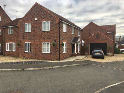 5 Bedrooms Detached House for sale in Woodrow Place, Spalding, Lincs, England