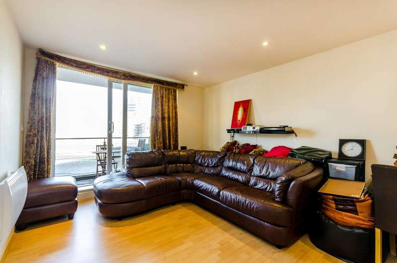 2 Bedrooms Flat for sale in Omega Building, Smugglers Way, Wandsworth, SW18