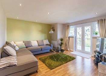 2 Bedrooms Flat for sale in Appleton Gardens, Nottingham, NG3 5NT