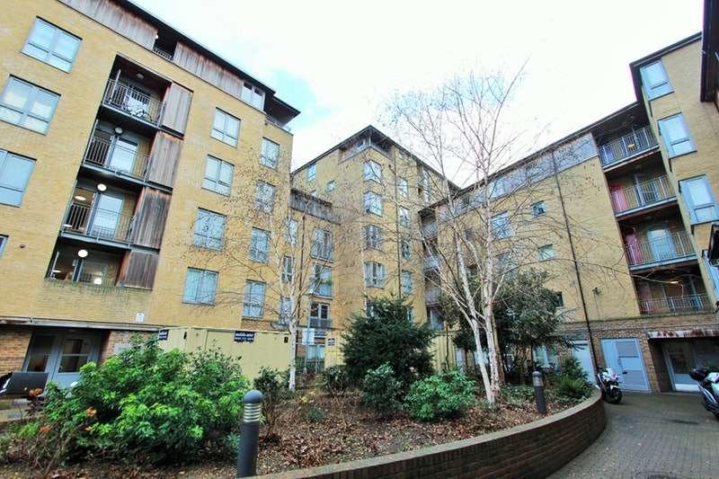 1 Bedroom Flat for sale in Elmfield Way, London, London, W9