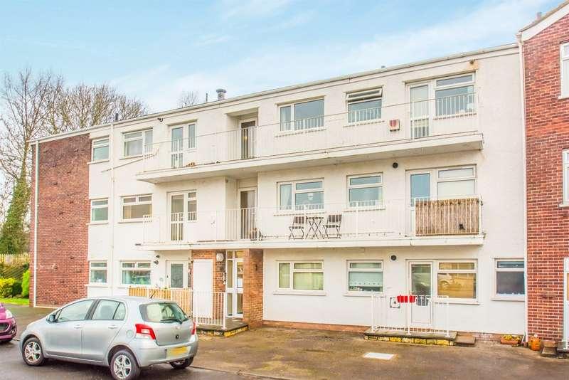 2 Bedrooms Flat for sale in Heol Pentwyn, Cardiff