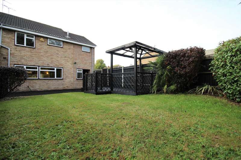 4 Bedrooms End Of Terrace House for sale in Magnolia Way, Brentwood