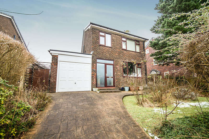 4 Bedrooms Detached House for sale in Higher Barn Road, Hadfield, Glossop, SK13