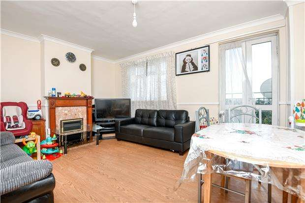 2 Bedrooms Flat for sale in Baron Court, London Road, MITCHAM, Surrey, CR4