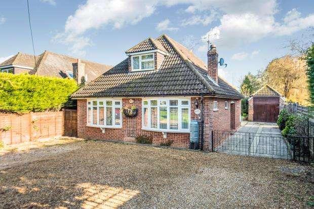2 Bedrooms Bungalow for sale in Witley, Godalming, Surrey