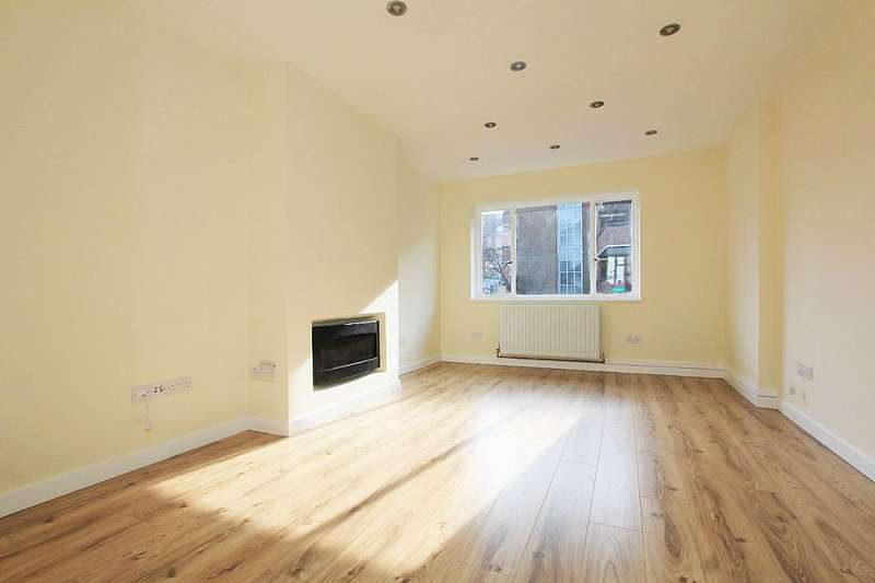 2 Bedrooms Flat for sale in 3, Salcott Road, Battersea, London, SW11 6DQ