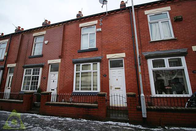 2 Bedrooms Terraced House for sale in South Street, Great Lever, BL3