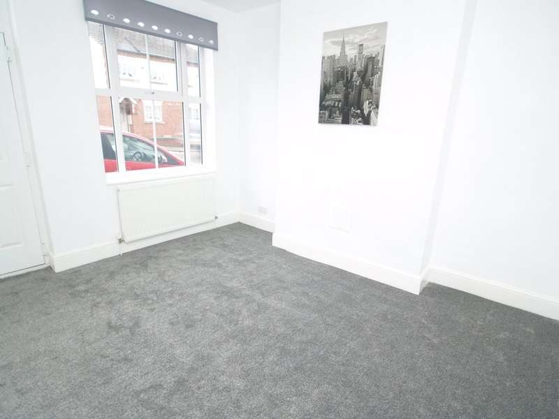 2 Bedrooms Terraced House for sale in High Street, Quarry Bank