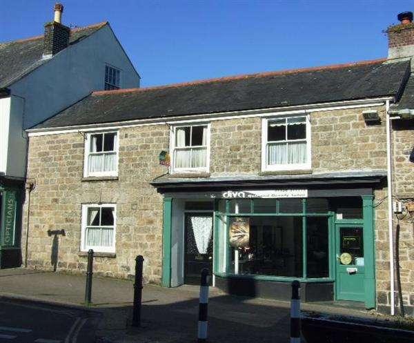 5 Bedrooms Terraced House for rent in Lower Market Street, Penryn