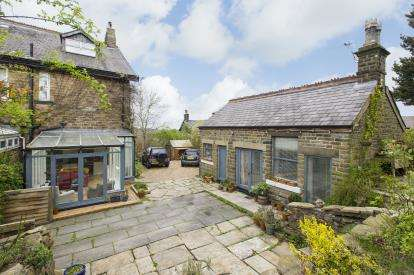 4 Bedrooms Semi Detached House for sale in Buxton Road, New Mills, High Peak, Derbyshire