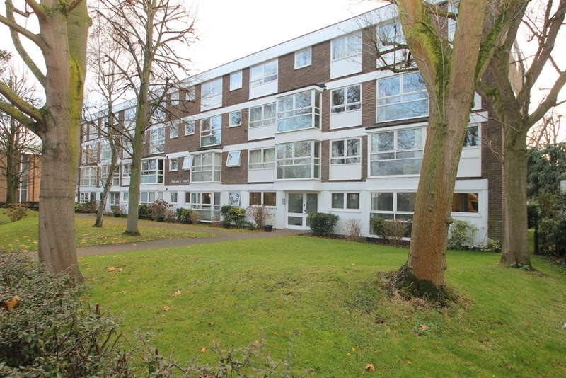 2 Bedrooms Flat for sale in Kingston Upon Thames, Surrey