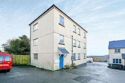2 Bedrooms Flat for sale in St Austell, Cornwall, Uk