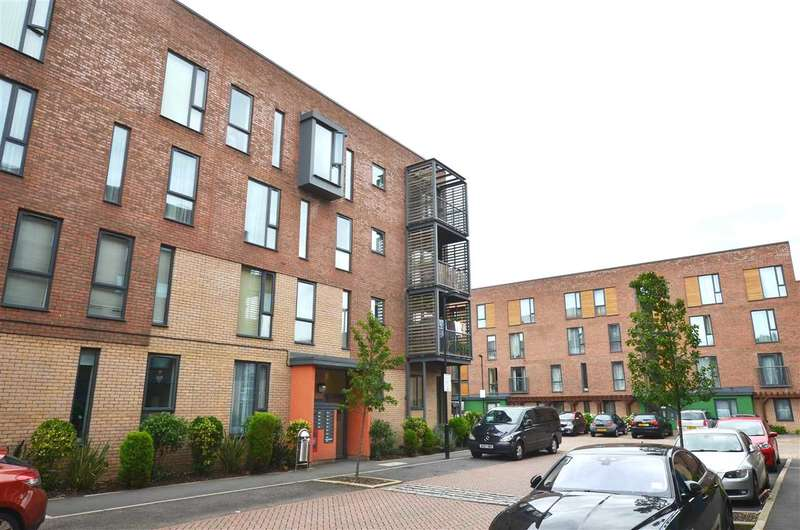 2 Bedrooms Apartment Flat for sale in Harvil Court, Mornington Close, Colindale