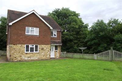 4 Bedrooms House for rent in Dewlands Hill, Rotherfield