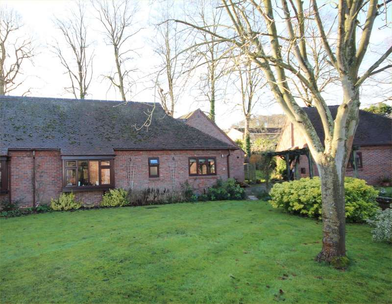 2 Bedrooms Semi Detached Bungalow for sale in Bowling Court, Henley-On-Thames, RG9