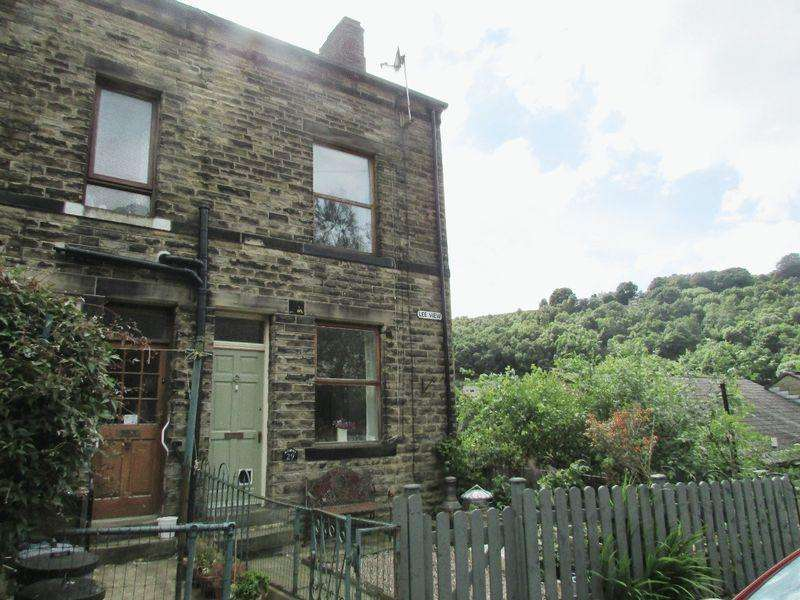2 Bedrooms Terraced House for sale in Lee View, Hebden Bridge
