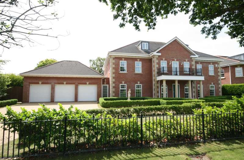 6 Bedrooms Detached House for sale in Regent Avenue, Lytham