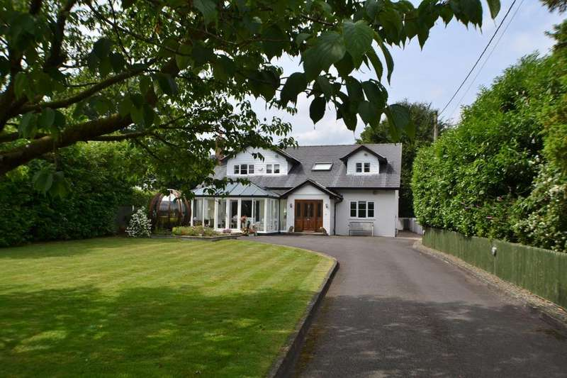 4 Bedrooms Detached House for sale in Main Road, Goostrey