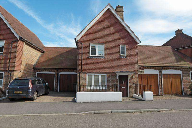 4 Bedrooms Link Detached House for sale in Nassau Drive, Crowborough, East Sussex