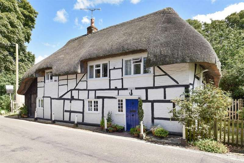 3 Bedrooms Detached House for sale in Kings Somborne, Stockbridge, Hampshire
