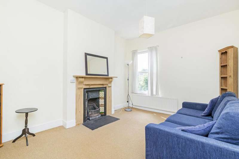 2 Bedrooms Flat for sale in Fernlea Road, SW12